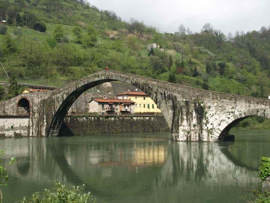 мост дьявола в Италии